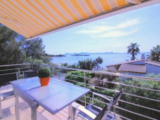 Special offer! Luxury Villa with Pool and Spectacular Sea Views! Top location!