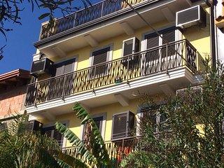 A CASA DI VERA - Graziosi appartamenti sul mare di Taormina