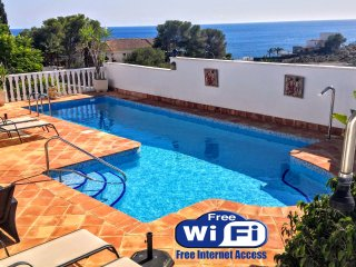beautiful villa brisamar.stunning sea views private pool and jacuzzi. free Wi-Fi