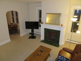 3 BR w/Parking | ~2000 SqFt | Heart of Brookline | 15 minutes to Boston center