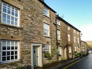 WEAVERS COTTAGE, over three floors, spacious rooms, character features, Kirkby