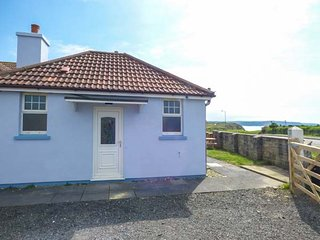 SEAVIEW LODGE, all ground floor, sea views, romantic retreat, Bude, Ref 953863
