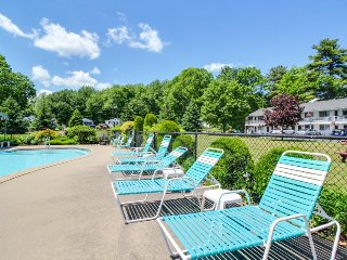 NEW LISTING! Suite w/patio, sun deck & shared pool-1 mile to Ogunquit Beach
