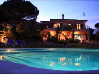Lovely villa in a beautiful garden, very private and with your own swimming pool
