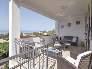 Apartment - 400 m from the beach