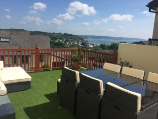 Luxury property in Saundersfoot, ideally located with sea views and hot tub.