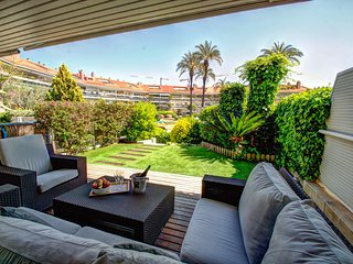 Luxury Apartment with Swimming Pool, Sitges