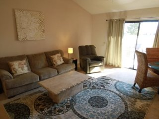 Spacious and Comfortable Right on the 13th Fairway!, Palm Desert