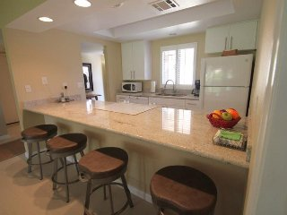 Bright and Light and Newly Remodeled...plus, Close to the Pool!, Palm Desert