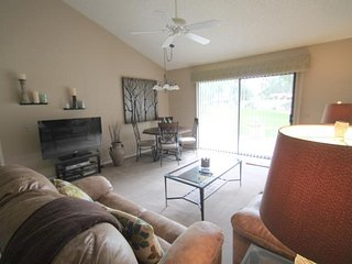 Located on the Greenbelt just Steps to the Pool!, Palm Desert