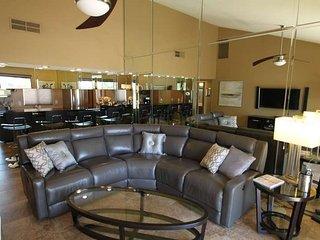 Country Club Living!, Palm Desert