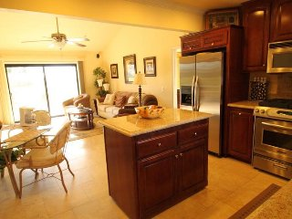 Beautifully Appointed With All The Comforts of Home!, Palm Desert