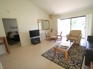 Spacious and just Steps to the Pool! Plenty of room for all..., Palm Desert