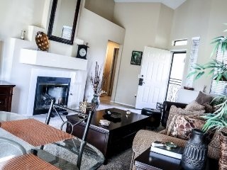 Relax and Enjoy with Fabulous Lake Views!, Palm Desert