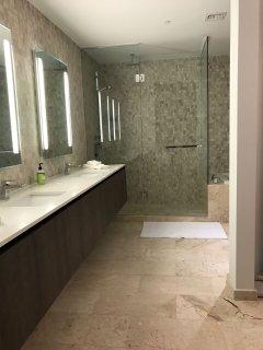 Modern 1.2 Bathroom. We provide hotel quality towels.