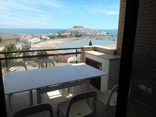 Apartamento 31, con estupendas vistas al mar, con piscina y aire acondicionado