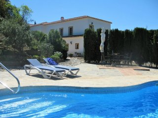 SUMMER OFFER. Luxury Villa with private pool & unique views, Wi-Fi, tennis table, Casarabonela