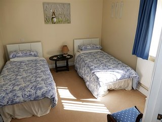 The Willows Bed and Breakfast - Twin-Comfort-Ensuite with Shower-Garden View