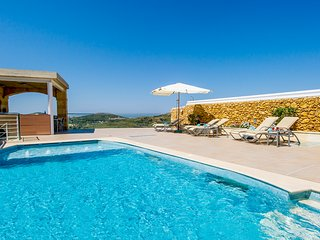Luxury Villa sleep 8 with 2 pools cinema etc