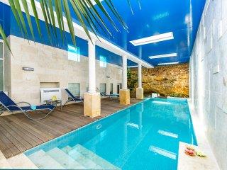 Luxury Villa sleep 8 with 2 pools cinema etc