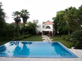 3 Bedrooms, 5 Bathrooms, Private Pool