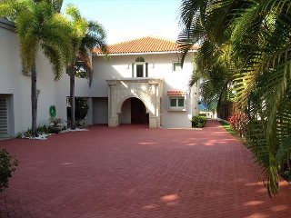 4 Bedrooms, 4.5 Bathrooms, Beachfront Property