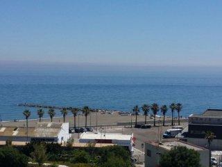 Apartamento primera linea de playa en Estepona