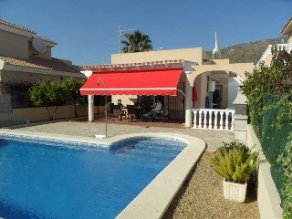 Casa Familia, beautiful 3 bed 2 bath villa, sea and mountain views. WIFI/AIRCO