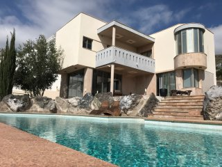Spectacular Lux Ocean-View Villa Elisa with breathtaking OceanView Pool&Jacuzzi