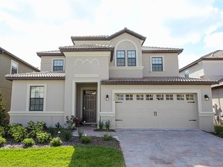 Beautiful 7bd villa in Champions Gate resort near Disney