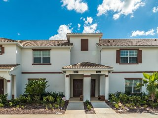 Gorgeous 4bd villa in Champions Gate resort near Disney, Davenport