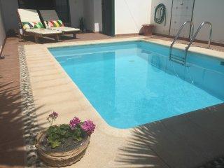 Casa Naty / Comodo y soleado duplex con piscina privada