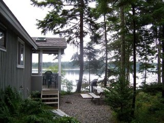 Tides: a Two Bedroom Waterfront Cottage - Pets Considered, Southwest Harbor
