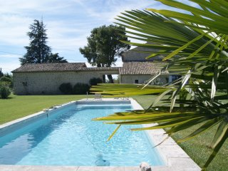 Robion Holiday Home Sleeps 2 with Pool and Air Con - 5829799