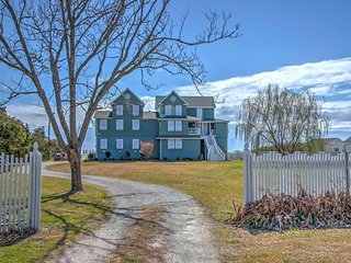 Charming Marshallberg Apt w/ Water Views & Dock!