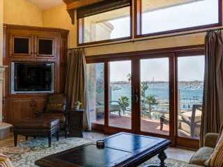 Luxury Mediterranean Villa, Panoramic Harbor/Ocean Views,  Walk to Beach/PCH