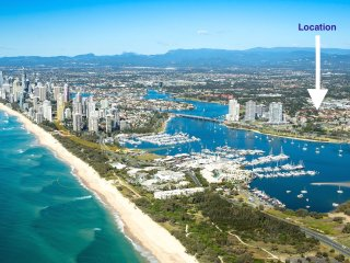 HUGE LUXURY 3 BRM APARTMENT SOUTHPORT GOLD COAST AUSTRALIA 'Close to Everything'