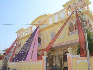 Court Shekha Haveli Room Alishaan Pink, Jaipur