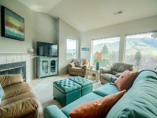 NEW - Park Pointe Condo A301 *PHOTOS COMING SOON* by Sage Vacation Rentals, Chelan