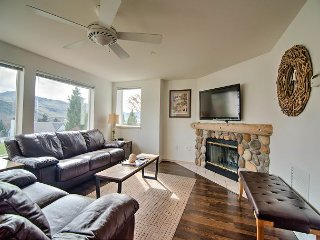 NEW - Park Pointe Condo (C104) by Sage Vacation Rentals, Chelan