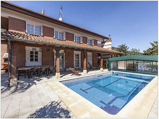Golf Hondarribia.Villa privada,piscina,tenis,barbacoa,jardin,parking.....