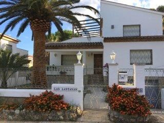 B46 FIGUERA villa 4 dormitorios, jardín, barbacoa