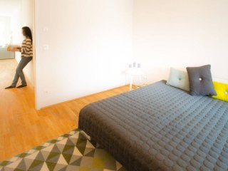 BERLIN LIVING in MITTE. WIFI & Netflix. 3 Rooms., Berlino