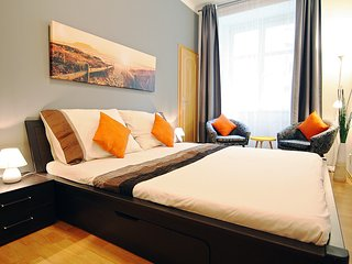 River Style Apartment near centre, Praag