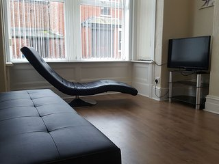 Charles Street - the entire house! Sleeps 8., Blackpool