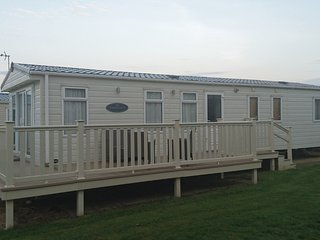 Static Caravan , Skipsea Sands Holiday Park 6/8 Berth Gold Standard