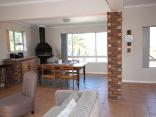 18 on Schelde - stand alone apartment in a quiet central street, Jeffreys Bay