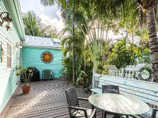 Whitehead Manor - Awesome Home w/ Hot Tub In the Heart of Key West