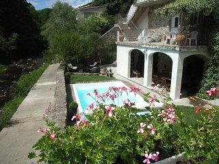 Gîte nature avec piscine, vacances vertes aux portes des Cévennes - Grande Bleue, Saint-Jean de Valeriscle