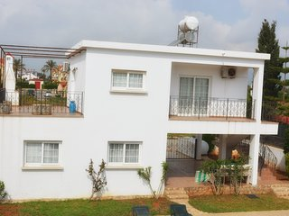 Fully Air Conditioned Apartment Close to the Beach.